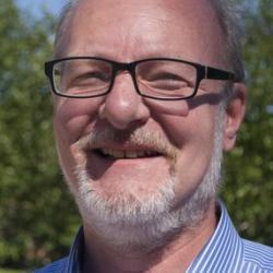 Dr Martin  Ennis